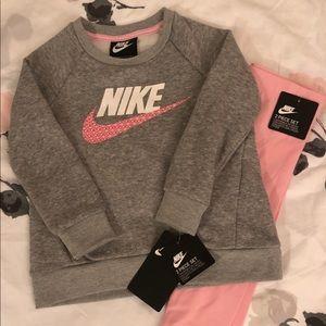 Nike 2 Piece Set